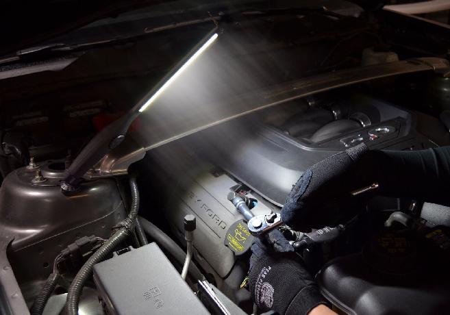 Astro Pneumatic 410 Lumen Rechargeable Cob Led Slim Light
